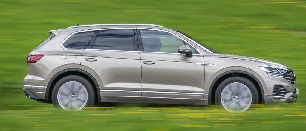 VW Touareg byggs på Volkswagen-gruppens plattform för bilar med längsmonterad motor. Det betyder att den har alla rätt för den som bekänner sig till den tyska premiumbilskulturen.